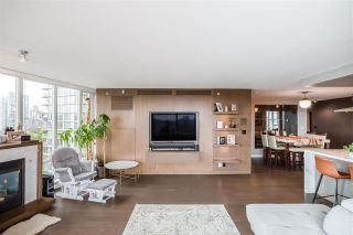 """Photo 6: 1802 8 SMITHE Mews in Vancouver: Yaletown Condo for sale in """"Flagship"""" (Vancouver West)  : MLS®# R2577399"""
