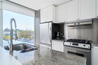 """Photo 8: 2 1650 W 1ST Avenue in Vancouver: False Creek Townhouse for sale in """"THE ELLIS FOSTER BUILDING"""" (Vancouver West)  : MLS®# R2062356"""