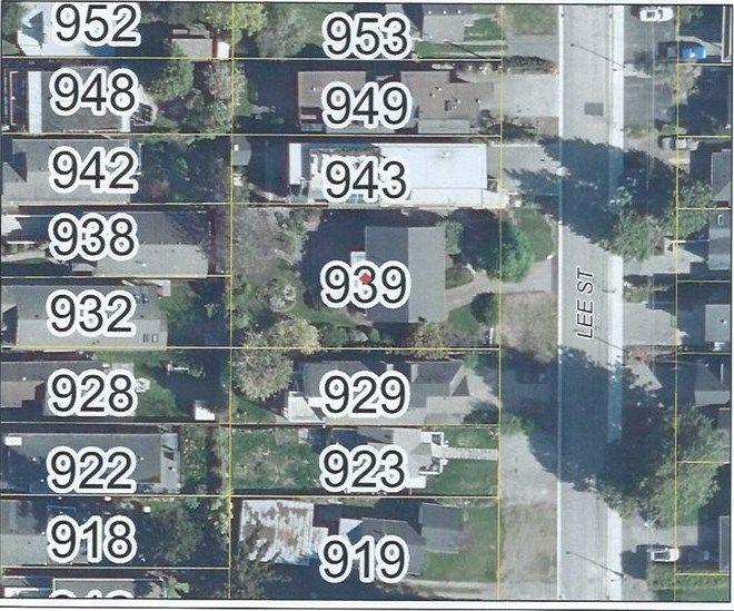 """Photo 15: Photos: 939 LEE Street: White Rock House for sale in """"East Beach"""" (South Surrey White Rock)  : MLS®# R2376460"""