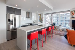 """Photo 6: 3106 128 W CORDOVA Street in Vancouver: Downtown VW Condo for sale in """"WOODWARDS W43"""" (Vancouver West)  : MLS®# R2616664"""