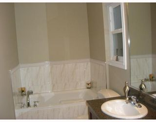 "Photo 8: 8335 NO 1 Road in Richmond: Seafair House for sale in ""SEAFAIR"" : MLS®# V681356"