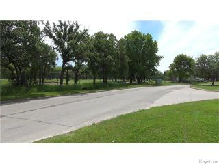 Photo 17: 426 Country Club Boulevard in Winnipeg: Westwood / Crestview Residential for sale (West Winnipeg)  : MLS®# 1616212