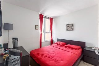 """Photo 6: 2207 33 SMITHE Street in Vancouver: Yaletown Condo for sale in """"COOPERS LOOKOUT"""" (Vancouver West)  : MLS®# R2106492"""