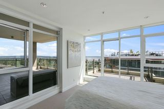 """Photo 15: 1902 1455 GEORGE Street: White Rock Condo for sale in """"Avra"""" (South Surrey White Rock)  : MLS®# R2589463"""