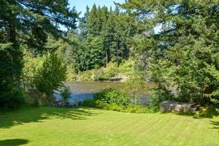 Photo 3: 2170 S Campbell River Rd in : CR Campbell River West House for sale (Campbell River)  : MLS®# 854246