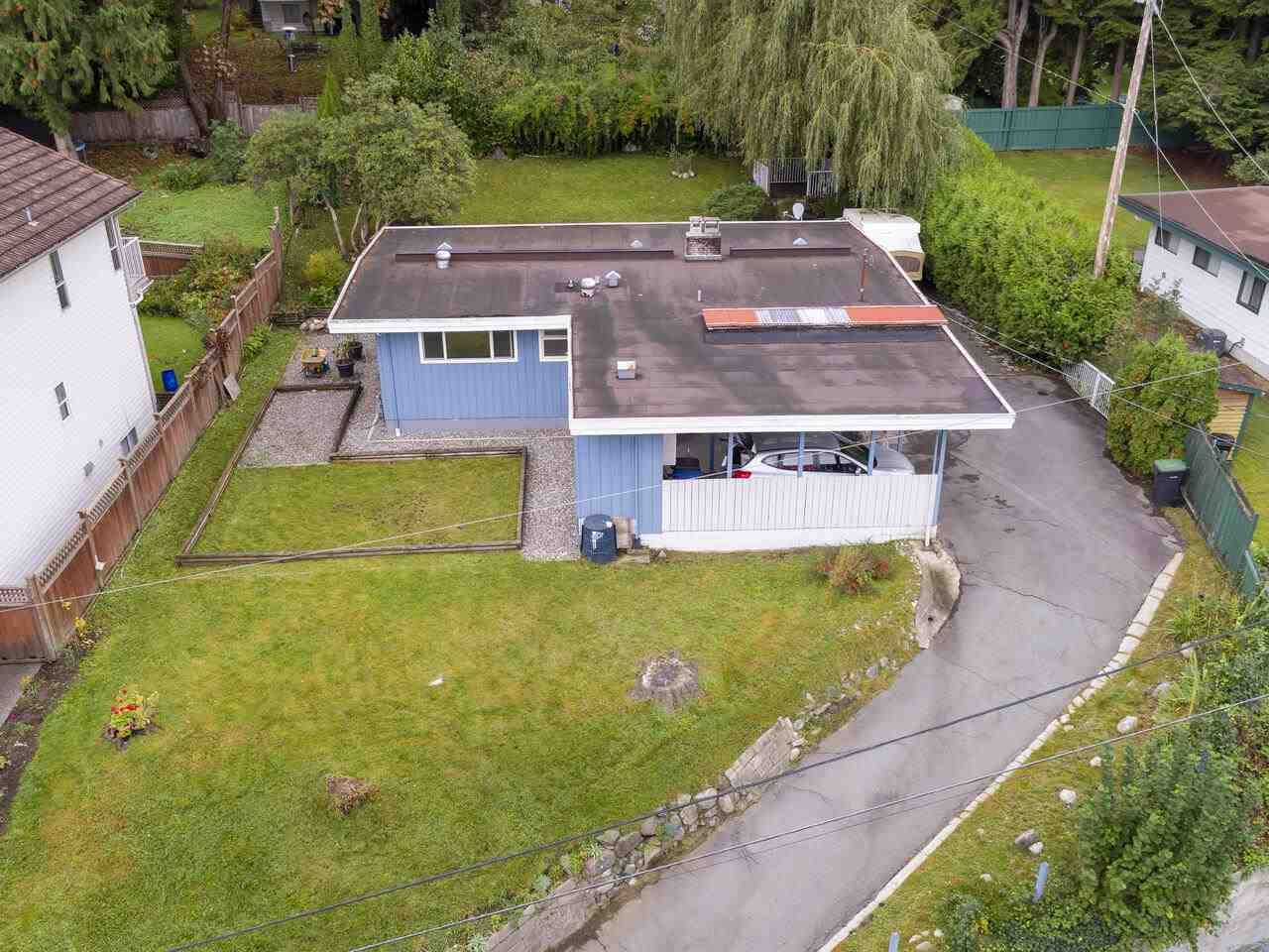 """Main Photo: 1934 WARWICK Crescent in Port Coquitlam: Mary Hill House for sale in """"MARY HILL"""" : MLS®# R2510324"""