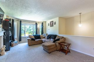 Photo 5: 3285 Fulton Rd in VICTORIA: Co Triangle House for sale (Colwood)  : MLS®# 805259