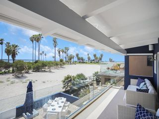 Photo 2: MISSION BEACH House for sale : 5 bedrooms : 2614 Strandway in San Diego
