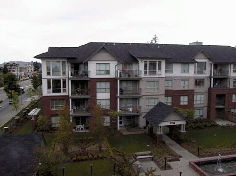 Main Photo: 403 - 15188 22nd Avenue in Surrey: Sunnyside Park Surrey Condo for sale (South Surrey White Rock)  : MLS®# F2510942