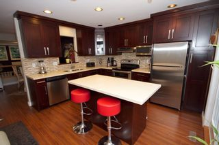 Photo 10: 5 1651 Parkway Boulevard in Coquitlam: Westwood Plateau Townhouse for sale : MLS®# R2028946