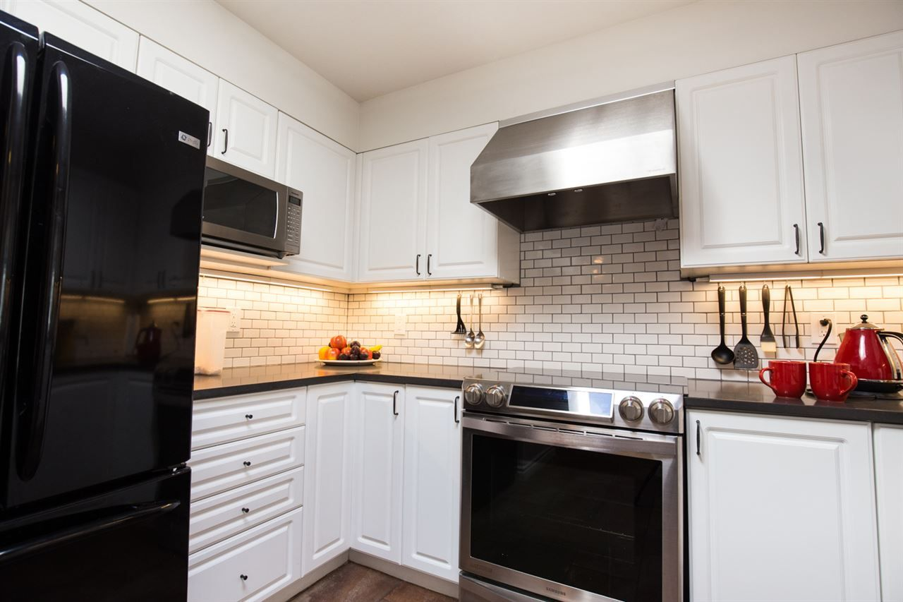 Photo 3: Photos: 411 3480 MAIN Street in Vancouver: Main Condo for sale (Vancouver East)  : MLS®# R2101348