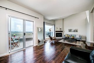 Photo 3: 90 5810 PATINA Drive SW in Calgary: Patterson Row/Townhouse for sale : MLS®# C4303432