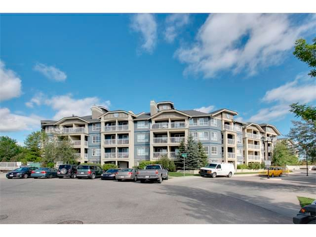 Main Photo: 305 35 RICHARD Court SW in Calgary: Lincoln Park Condo for sale : MLS®# C4019577