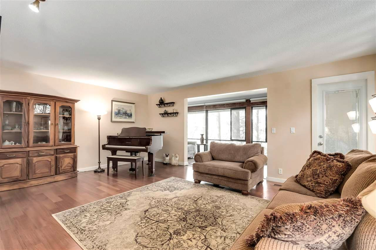 """Main Photo: 2923 CAPILANO Road in North Vancouver: Capilano NV Townhouse for sale in """"CEDAR CRESCENT"""" : MLS®# R2579490"""