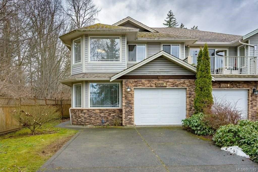 Main Photo: A 2727 Willemar Ave in : CV Courtenay City Half Duplex for sale (Comox Valley)  : MLS®# 867145