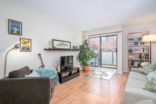 """Photo 2: 213 2150 BRUNSWICK Street in Vancouver: Mount Pleasant VE Condo for sale in """"MT PLEASANT PLACE"""" (Vancouver East)  : MLS®# R2161817"""