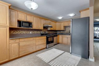 Photo 3: 301 9930 Bonaventure Drive SE in Calgary: Willow Park Row/Townhouse for sale : MLS®# A1150747
