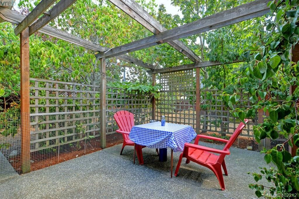 Enjoy privacy outdoors - rarely do you have this in the newer builds