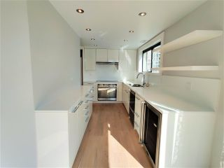 """Photo 6: 1703 909 BURRARD Street in Vancouver: West End VW Condo for sale in """"Vancouver Tower"""" (Vancouver West)  : MLS®# R2625529"""