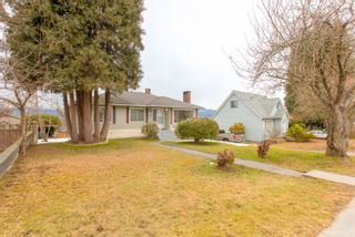"""Photo 4: 4635 BOND Street in Burnaby: Forest Glen BS House for sale in """"Forest Glen Area"""" (Burnaby South)  : MLS®# R2346683"""