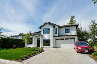Photo 2: 13507 84A Avenue in Surrey: Queen Mary Park Surrey House for sale : MLS®# R2589558