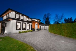 Photo 3: 1021 KENNEDY Avenue in North Vancouver: Edgemont House for sale : MLS®# R2574763