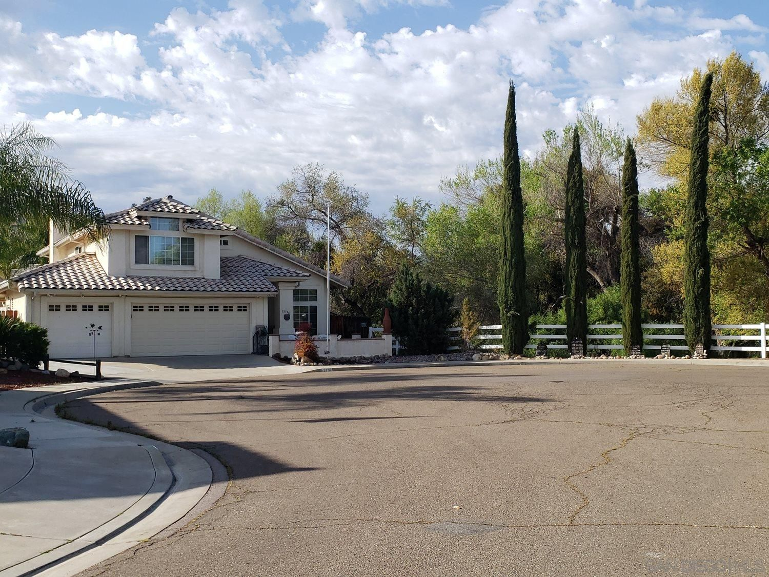 Main Photo: EL CAJON House for sale : 3 bedrooms : 13796 WYETH RD