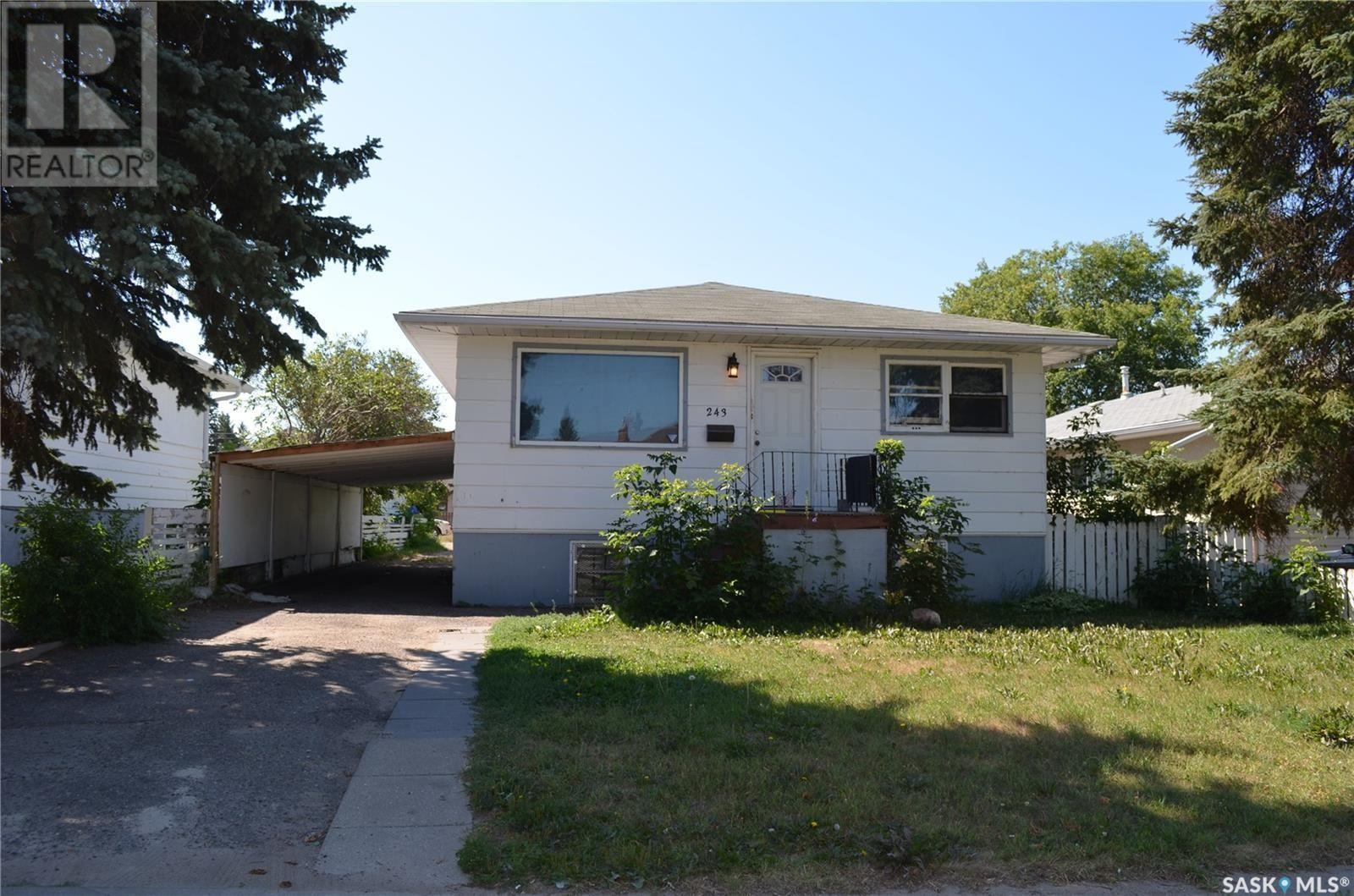 Main Photo: 243 23rd ST W in Prince Albert: House for sale : MLS®# SK865487