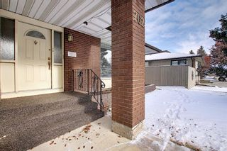 Photo 2: 762 Woodpark Road SW in Calgary: Woodlands Detached for sale : MLS®# A1048869