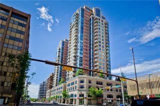 Photo 1: 1808 910 5 Avenue SW in Calgary: Downtown Commercial Core Apartment for sale : MLS®# C4302434