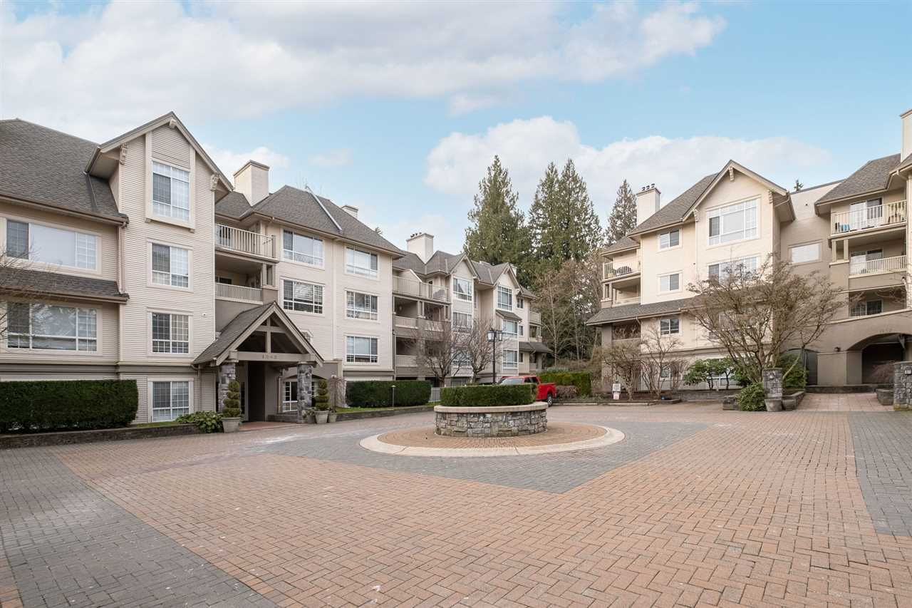 "Main Photo: 113 1242 TOWN CENTRE Boulevard in Coquitlam: Canyon Springs Condo for sale in ""THE KENNEDY"" : MLS®# R2550954"