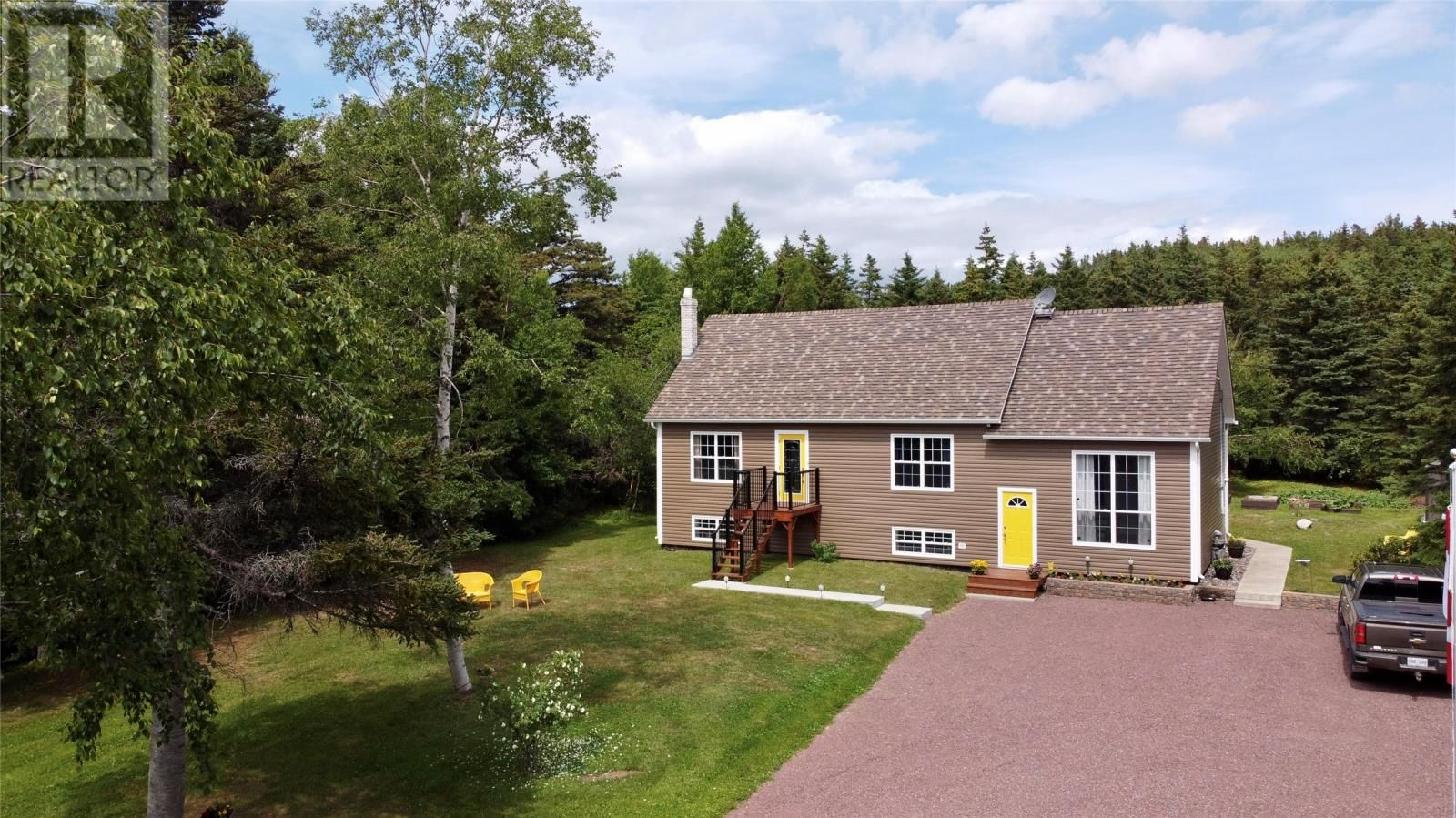 Main Photo: 18-22 Bight Road in Comfort Cove-Newstead: House for sale : MLS®# 1233676