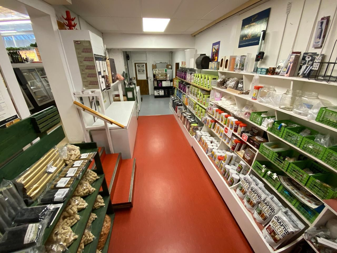 Photo 9: Photos: 328 ROSSLAND AVENUE in Trail: Retail for sale : MLS®# 2459289