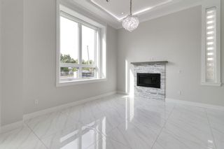 Photo 2: 4015 DUNDAS Street in Burnaby: Vancouver Heights House for sale (Burnaby North)  : MLS®# R2323753