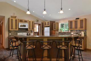 Photo 3: 6139 REEVES Road in Sechelt: Sechelt District House for sale (Sunshine Coast)  : MLS®# R2553170