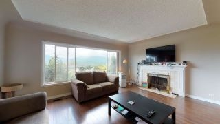 Photo 3: 4042 YALE Street in Burnaby: Vancouver Heights House for sale (Burnaby North)  : MLS®# R2387032
