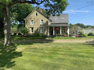 Photo 3: 790 Church Street in Port Williams: 404-Kings County Residential for sale (Annapolis Valley)  : MLS®# 202121362