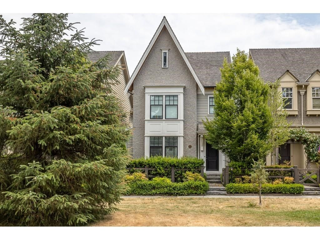 """Main Photo: 15353 34 Avenue in Surrey: Morgan Creek House for sale in """"ROSEMARY HEIGHTS"""" (South Surrey White Rock)  : MLS®# R2600697"""