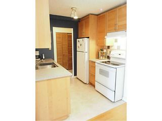 "Photo 4: 106 131 W 4TH Street in North Vancouver: Lower Lonsdale Condo for sale in ""NOTTINGHAM PLACE"" : MLS®# V1069203"