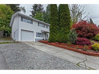Photo 2: 8051 CARIBOU Street in Mission: Mission BC House for sale : MLS®# R2574530