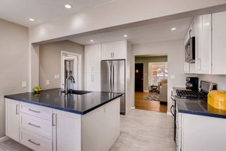 Photo 9: SAN DIEGO House for sale : 3 bedrooms : 3927 Loma Alta