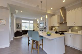 Photo 9: 15818 MOUNTAIN VIEW DRIVE in Surrey: Grandview Surrey House for sale (South Surrey White Rock)  : MLS®# R2206200