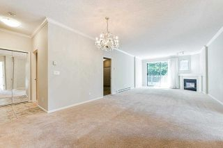 """Photo 15: 203 1705 MARTIN Drive in Surrey: Sunnyside Park Surrey Condo for sale in """"Southwynd"""" (South Surrey White Rock)  : MLS®# R2576884"""