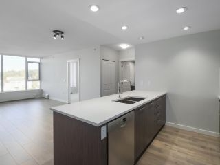 """Photo 3: 906 3281 E KENT NORTH Avenue in Vancouver: South Marine Condo for sale in """"RHYTHM BY POLYGON"""" (Vancouver East)  : MLS®# R2447202"""