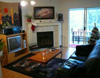 """Photo 2: 2272 DUNDAS Street in Vancouver: Hastings Condo for sale in """"STRATA PLAN VR2553"""" (Vancouver East)  : MLS®# V625146"""