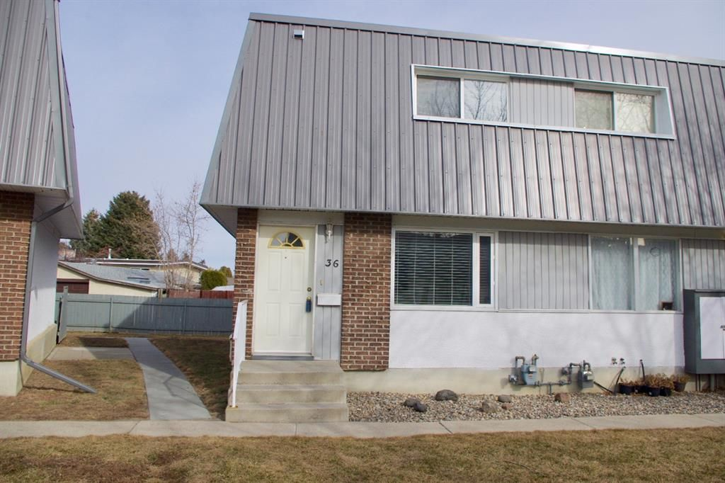 Main Photo: #36 1601 23rd Street N: Lethbridge Row/Townhouse for sale : MLS®# A1077293