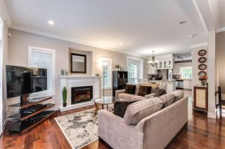 """Photo 3: 119 3333 DEWDNEY TRUNK Road in Port Moody: Port Moody Centre Townhouse for sale in """"CENTRE POINT"""" : MLS®# R2408387"""