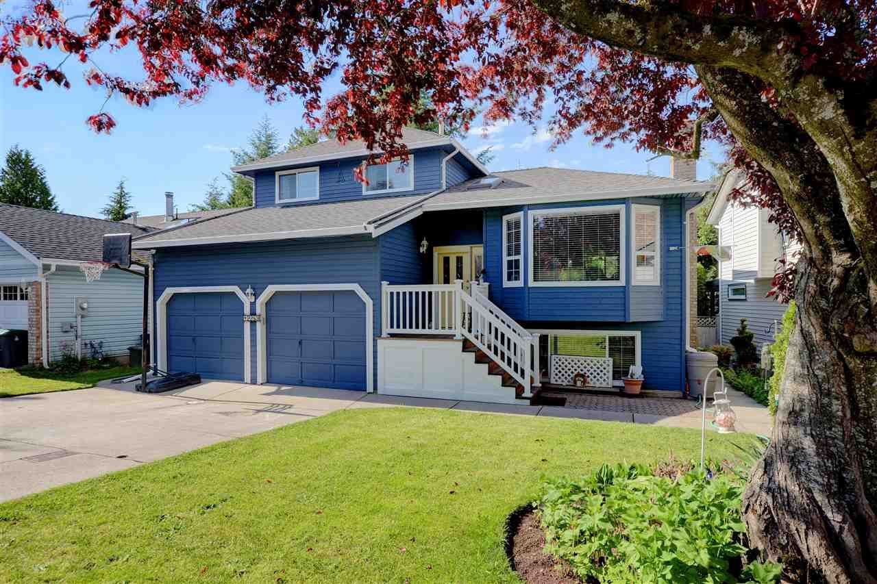 """Main Photo: 12289 SOUTHPARK Crescent in Surrey: Panorama Ridge House for sale in """"BOUNDARY PARK"""" : MLS®# R2372669"""