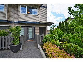 """Photo 12: 6 1268 RIVERSIDE Drive in Port Coquitlam: Riverwood Townhouse for sale in """"SOMERSTON LANE"""" : MLS®# V1012744"""