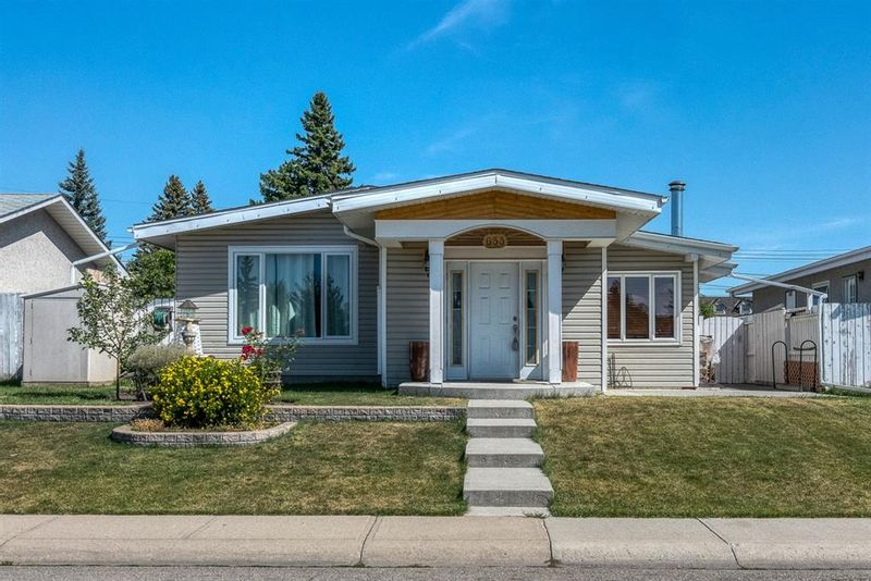 FEATURED LISTING: 633 Agate Crescent Southeast Calgary